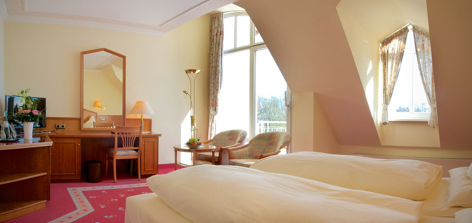 hotel hohe wacht. Black Bedroom Furniture Sets. Home Design Ideas